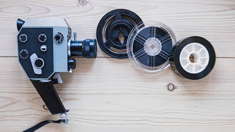 撮影用のカメラとフィルム